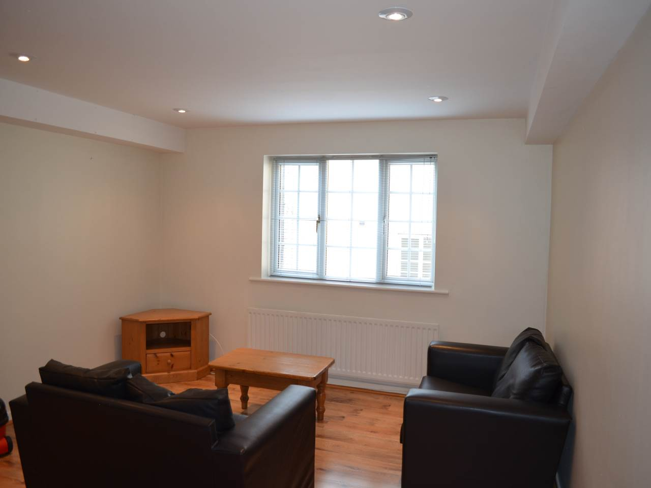 Flat 10 Thornton Court (20/21), Forth Place, City Centre